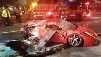 Взето под наем Ferrari катастофира и изгоря в Чикаго