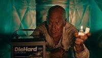 """Брус Уилис се връща към """"Умирай трудно"""" заради акумулатори"""