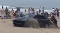 Офроуд-режимът не спаси това Porsche Cayenne