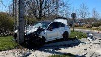 Чисто ново BMW M5 оцеля точно 5 минути