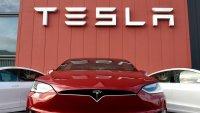 Tesla изпревари дори Toyota и вече е най-скъпият производител