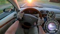 Как се справя стар Mercedes-Benz CLK на магистрала?
