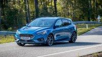 Кой е по-бърз: Ford Focus ST, Mercedes-AMG 45S или BMW M135i?