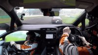 Nissan Leaf ePlus надви Tesla Model S на писта