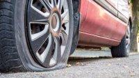 Колко дълго можете да шофирате със спукана гума?