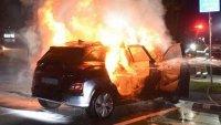 Hyundai обяви причината за пожарите на Kona