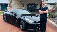 Лекар поиска да използва своя Nissan GT-R като линейка
