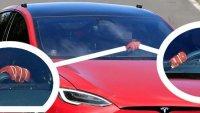 Tesla тества Model S Plaid с два различни волана
