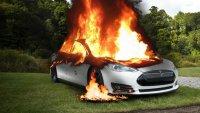 Как се гаси горящ електромобил?