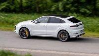 Вижте как Porsche Cayenne Turbo вдига 333 км/ч