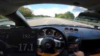 Как се справя 17-годишен Nissan на магистрала