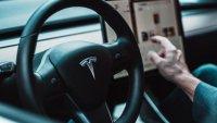 Чистата печалба на Tesla за първи път надхвърли милиард долара