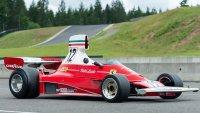 Продават на търг шампионско Ferrari на Лауда