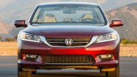 Honda Accord започна да завива сама