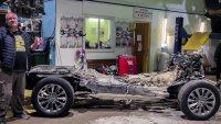 Блогър разглоби Toyota Land Cruiser 300 и показа защо е различна