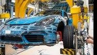 Porsche ще поставя фалшиви чипове на колите си