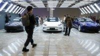 Tesla повече няма да връща пари срещу коли