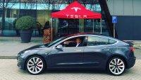 Европейците получиха Tesla Model 3 без автопилот