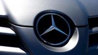 Моделите на Mercedes стават помощници на снегорините