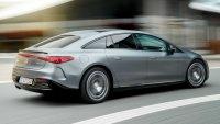 Mercedes бави доставки до клиенти с повече от година