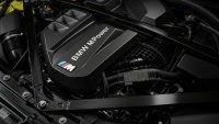 BMW не бърза да се отказва от конвенционалните двигатели