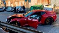Служител в автомивка разби Ferrari на футболист за 340 000 долара