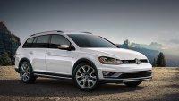 Следващият VW Golf остава без комбита
