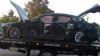Шофьор на Tesla се блъсна в къща със 160 км/ч и остана жив
