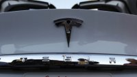 Tesla готви изненада за европейците
