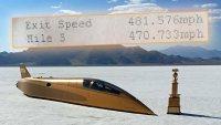 71-годишен вдигна над 750 км/ч с автомобил