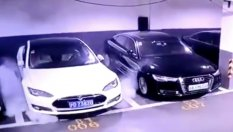 Tesla Model C Detonates Parking (VIDEO)