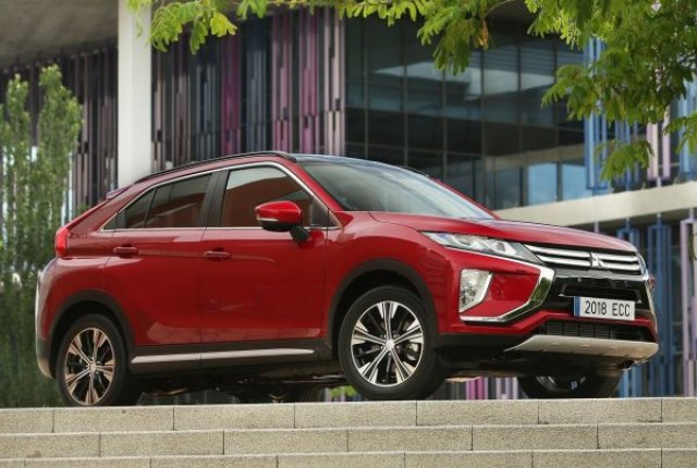 Mitsubishi превръща Eclipse Cross в хибрид