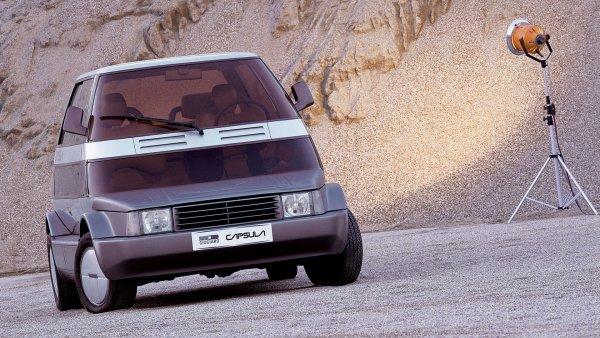Идеята една кола да може да изпълнява най-различни задачи не е нова. Но първият наистина сериозен опит бе направен от Джорджето Джуджаро и неговото ателие Italdesign. През 1982 те представиха концепта Capsula - по същество една платформа с множество взаимозаменяеми купета. Capsula можеше да бъде пътнически миниван, товарен пикап, линейка, открита голф-количка и дори подвижен кран.