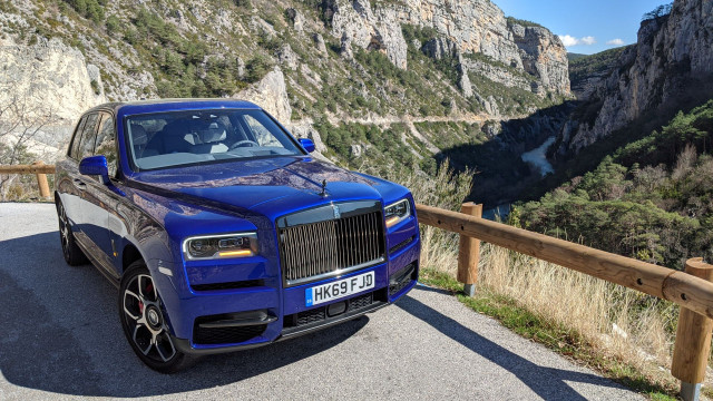 Rolls Royce Cullinan Black Badge, тест драйв
